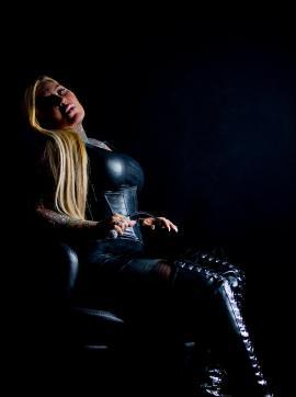 KINKY SUGARBABE MIRIAM GOETTINGEN - Escort bizarre lady Göttingen 13
