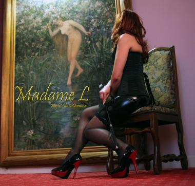 Madame L - Escort dominatrix Paris 4