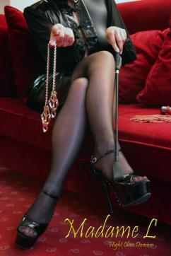 Madame L - Escort dominatrix Paris 7