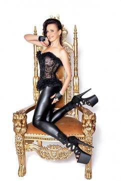 Mistress Nadja - Escort dominatrix Duisburg 2