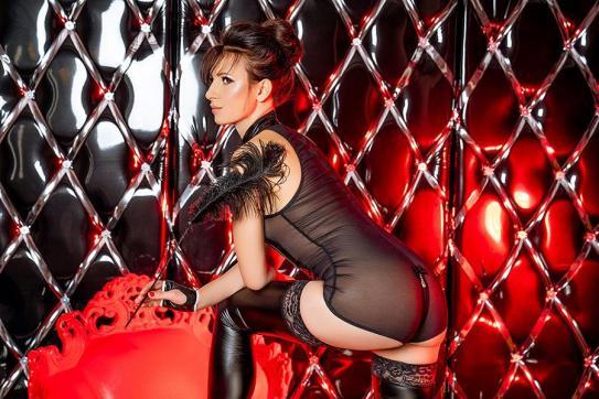 Mistress Nadja - Escort dominatrix Duisburg 9