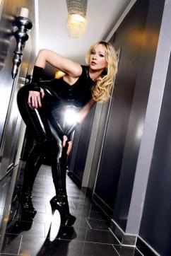 Mistress Liliana - Escort dominatrix Duisburg 6