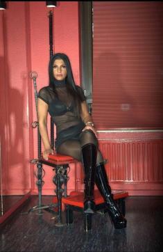 Shaira Sanders - Escort dominatrix Duisburg 10