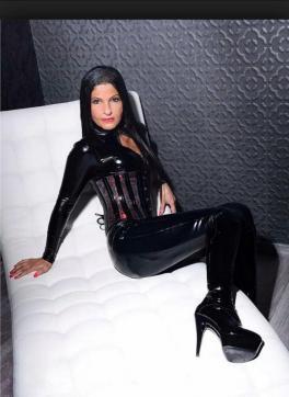 Shaira Sanders - Escort dominatrix Duisburg 2