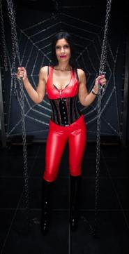 Shaira Sanders - Escort dominatrix Duisburg 3