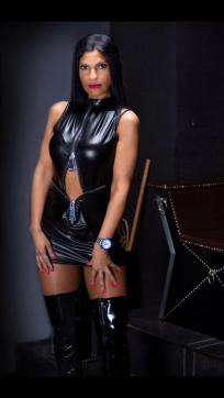 Shaira Sanders - Escort dominatrix Duisburg 4