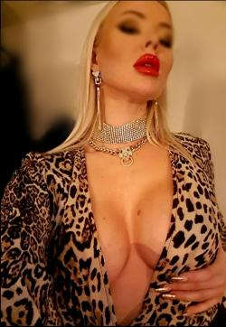 Goddess Lady Skotia - Escort dominatrixes Monaco 1