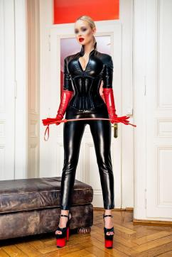 Lady Skotia - Escort dominatrix Zurich 8