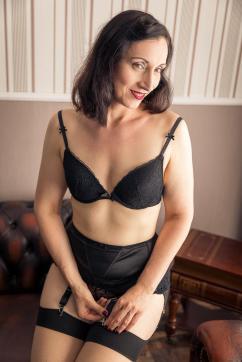 Elise Wagner - Escort lady London 2