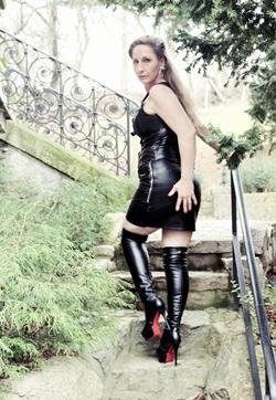Lady Cesara - Escort dominatrix Berlin 8