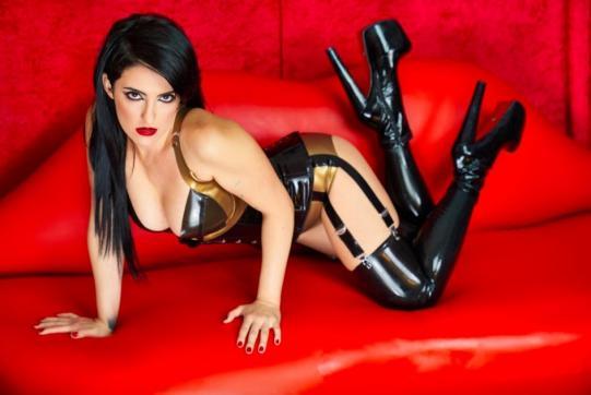 Mistress Amandara - Escort dominatrix Berlin 4