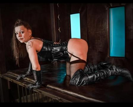 MadameKALI - Escort bizarre lady Berlin 7
