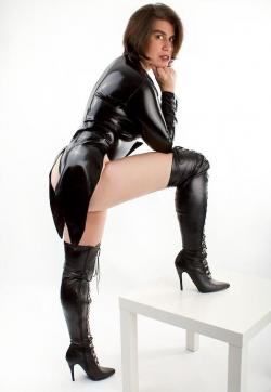 DominaAktiva Sara - Escort dominatrix Frankfurt 1