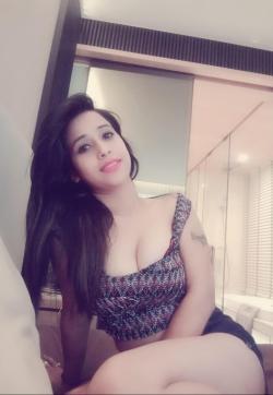 Richa Singh - Escort ladies Gurgaon 1