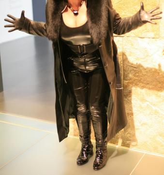 Herrin Lady Lola - Escort dominatrix Bregenz 9