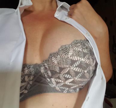 Sharon - Escort female slave / maid Munich 5