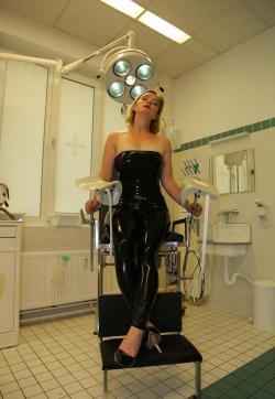 Mademoiselle Ruby - Escort bizarre ladies Berlin 3