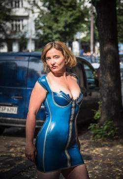 Mademoiselle Ruby - Escort bizarre lady Berlin 8