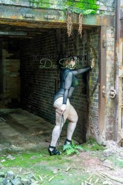 Kurtisane de Sade - Escort female slave / maid Essen 9