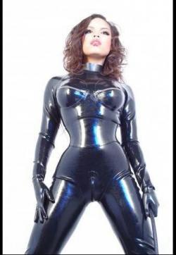 Miss Gini Ginelli - Escort dominatrix Cologne 4