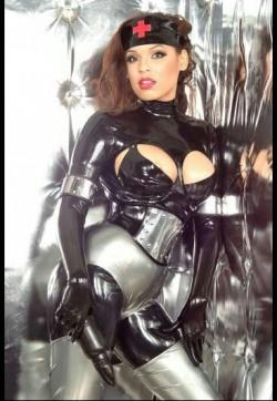 Miss Gini Ginelli - Escort dominatrixes Cologne 7