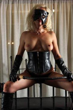 Dolores - Escort female slave / maid Mannheim 4