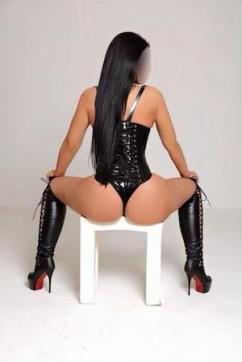 Mistress Leyla - Escort dominatrix London 2