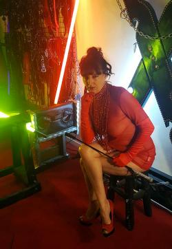 Maitresse Elsa - Escort dominatrixes Paris 1