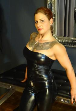 Miss Sandra - Escort dominatrix Cologne 1