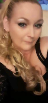Reina - Escort dominatrix St. Louis MO 2