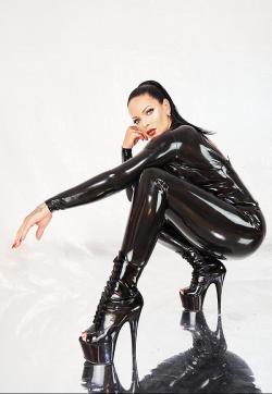 Lady Kim Diamond - Escort dominatrixes Munich 1