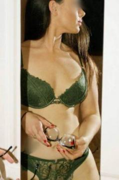 Piper Maine - Escort lady Perth AU 4