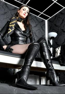 Lady Victoria Valente - Escort dominatrix Stuttgart 1