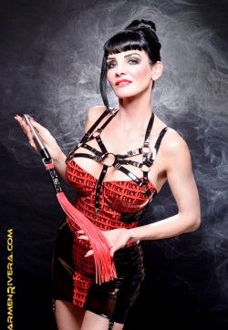 Baronessa di Rivera - Escort dominatrix Berlin 1