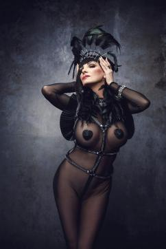 Baronessa di Rivera - Escort dominatrix Berlin 17