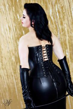 Madame Irina - Escort dominatrix Berlin 5