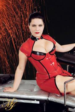 Madame Irina - Escort dominatrix Berlin 6