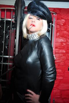Domina Mistress Solitaire - Escort dominatrix Frankfurt 7