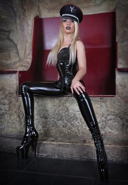 Herrin Sarah - Escort dominatrixes Munich 1