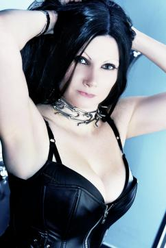 Mia Darkana - Escort dominatrix Geneva 4