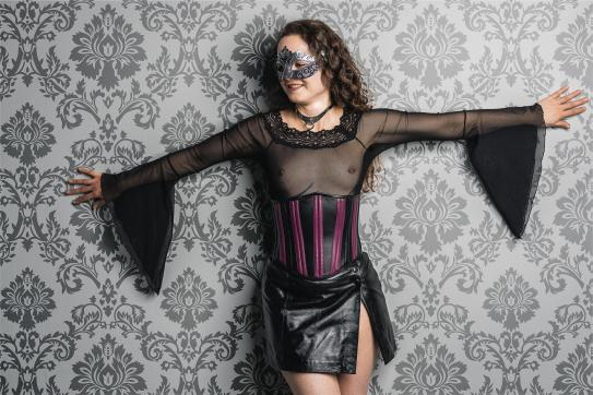 Katja - Escort female slave / maid Berlin 3