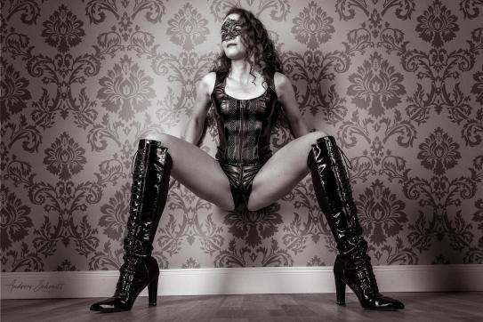 Katja - Escort female slave / maid Berlin 5