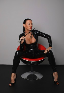 Lady Suzanne - Escort bizarre ladies Bern 1