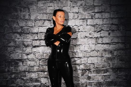 Lady Suzanne - Escort dominatrix Bern 4