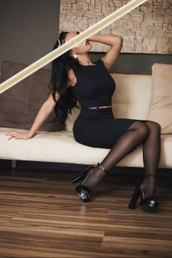 Jasmin - Escort lady Hamburg 5