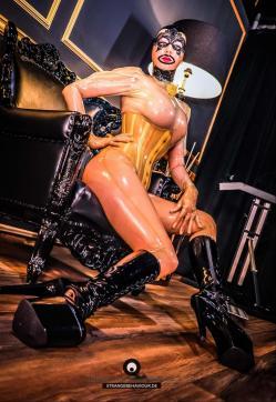 Fetischluder Lucy van Kink - Escort dominatrix Frankfurt 5