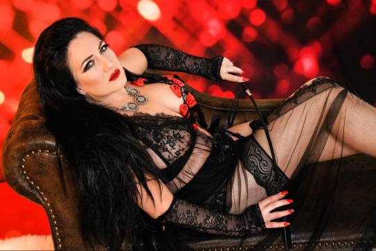 Herrin Chanel - Escort dominatrix Munich 5