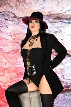 Herrin Chanel - Escort dominatrix Munich 9