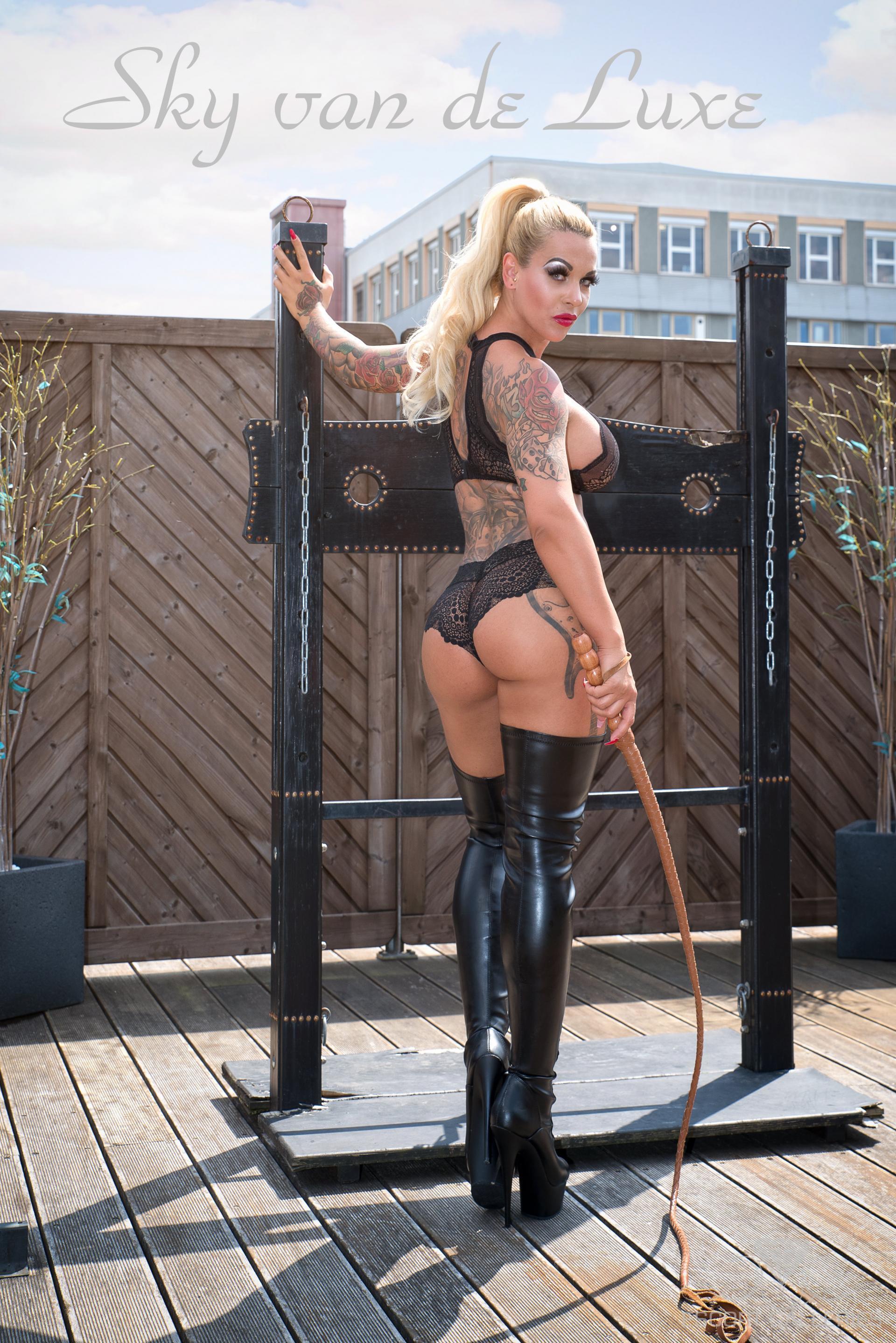 femdom domina sexy escort berlin