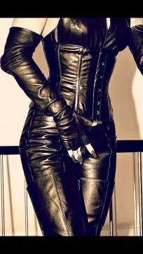 Mistress Artemis - Escort dominatrix Thessaloniki 16